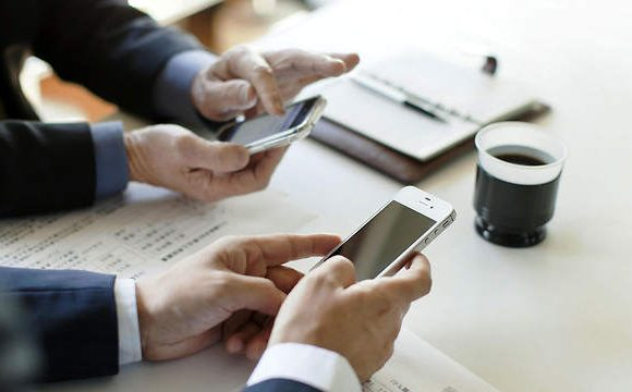Impact of Smartphones on Business Communication