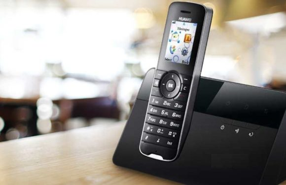 7 Reasons Not to Let Go of Your Landline