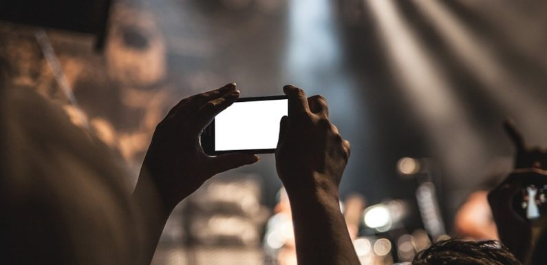 6 Ways to Shoot Videos Like a Pro Using a Smartphone