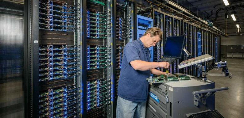 How Exactly do Data Centers Work? And why is Tier 3 Data Center Gaining Popularity?