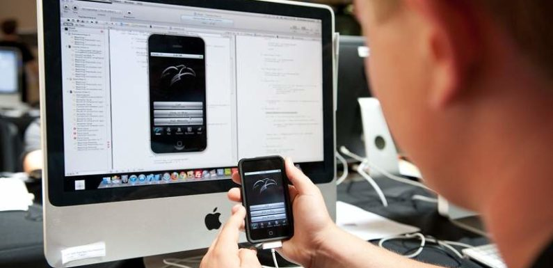 7 Reasons Why You Should Hire an Expert for Your App Development