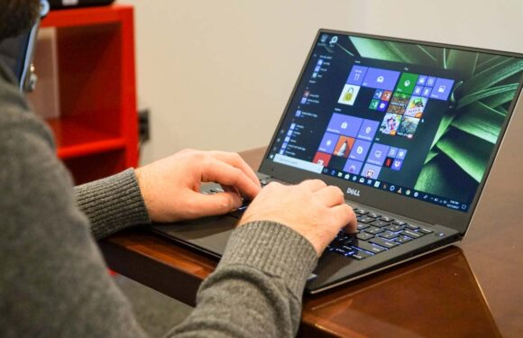 Windows 10 Reset Stuck? Here Are Solutions