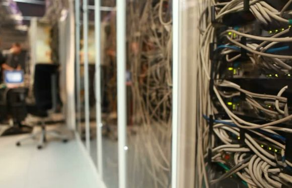 Server Room Safety Checklist: How to Safely Arrange & Operate a Server Room