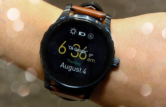 THREE BEST SMARTWATCHES TO BUY IN 2019 BY TOP COMPETITORS