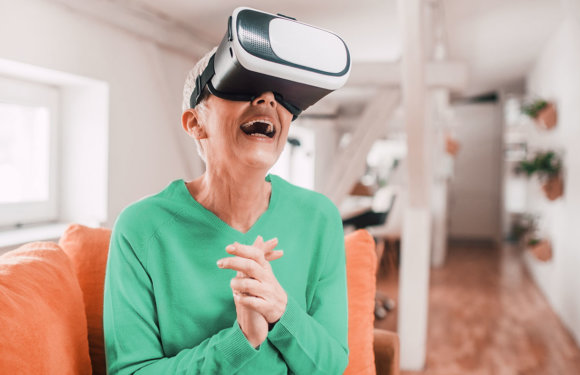 How Virtual Reality is Revolutionizing Senior Care