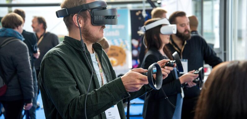 5 Up-to-Date Technologies Used in AR, VR, and MR